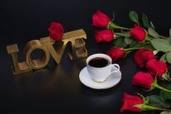 对咖啡爱 享受咖啡休息 库存照片