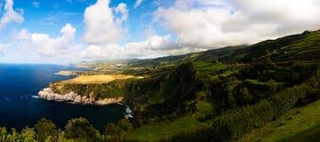 对圣地米格尔海岛coastlani的全景视图从圣诞老人Iria观点 亚速尔群岛 葡萄牙 库存照片