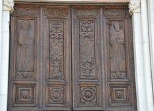 对圣本尼迪克特,诺尔恰教会的门  图库摄影