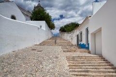 对圣玛丽亚教会的长的台阶做Castelo 免版税库存照片