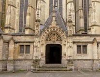 对圣莫里克教会的侧门在里尔,法国 免版税图库摄影