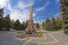 对在斯大林格勒期间防御自由正方形的,英勇牺牲的英雄的纪念碑 免版税库存照片