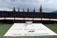 对在马岛战争期间下落的战士的纪念碑在马尔维纳斯群岛地区在乌斯怀亚 免版税库存照片