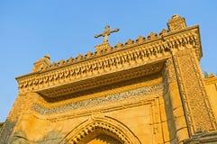 对垂悬的教会的门 库存图片