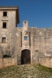 对城堡的入口在Svetvincenat,克罗地亚 库存图片