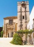 对城堡,塞维利亚,西班牙庭院的入口  免版税库存照片