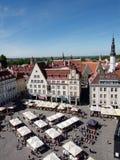 对城镇厅广场的鸟瞰图在塔林,爱沙尼亚 库存照片