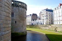 对堡垒墙壁的看法在南特 免版税库存图片