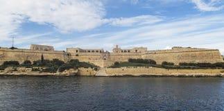 对堡垒马努埃尔在盛大港口,瓦莱塔,马耳他的海港入口 库存照片