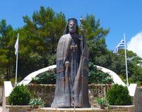 对塞浦路斯马卡里奥斯大主教的第一位总统的纪念碑 免版税库存图片