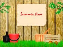 对夏天村庄的时间 库存图片
