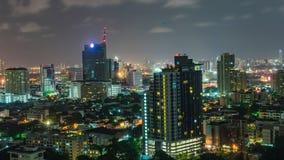 对夜高层时间间隔曼谷地平线的天在泰国 股票录像
