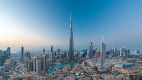 对夜timelapse视图的迪拜街市天从上面在迪拜,阿联酋 股票视频