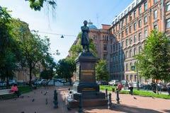 对大俄罗斯作家亚历山大Sergeevich普希金的纪念碑 免版税库存图片