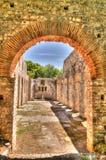 对大教堂的废墟的全景在布特林特古镇,萨兰达,阿尔巴尼亚 库存图片