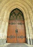 对大教堂的美丽的新哥特式样式enterance 免版税库存照片
