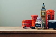 对大英国概念的旅行与纪念品 计划暑假 免版税库存图片