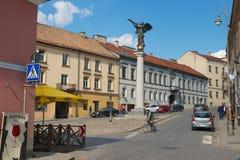 对天使正方形的看法和Uzupis天使在维尔纽斯,立陶宛 免版税库存照片