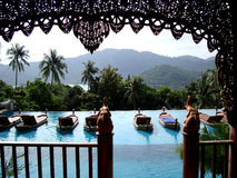 对天堂的窗口 海岛苏梅岛在泰国 顶面放松 库存图片