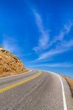 对天空的高速公路曲线 免版税库存图片