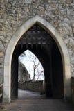对奥伊宾城堡和修道院的入口门 免版税库存图片