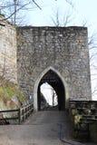 对奥伊宾城堡和修道院的入口门 库存图片