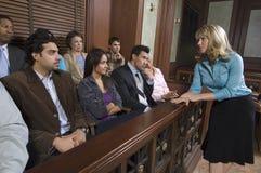 对女性的律师陪审员演讲 免版税库存图片