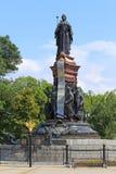 对女皇凯瑟琳的纪念碑II在蓝色s背景  图库摄影