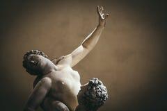 对妇女的暴力, Sabines的强奸的细节是雕象 免版税库存照片