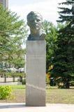 对宇航员尤里・加加林的纪念碑宇航员胡同的纪念碑的 免版税库存照片