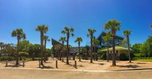 对家庭圈子网球体育场,丹尼尔海岛,查尔斯顿, SC的入口 库存图片