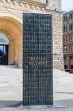 对密码专家Rejewski、Rozycki和Zygalski的纪念碑在波兹南城堡前面 免版税图库摄影