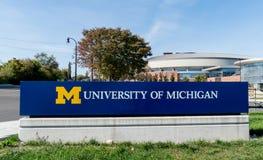 对密西根大学的入口标志 免版税图库摄影