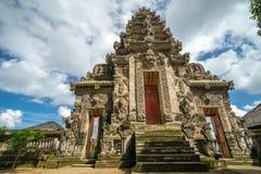 对寺庙的入口在巴厘岛 免版税库存照片