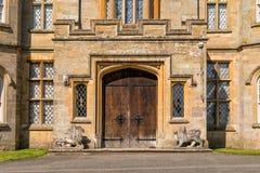 对小农场城堡, Herefordshire,英国的大门 免版税库存照片