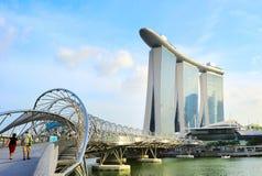 对小游艇船坞海湾,新加坡的桥梁 库存图片