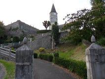 对小的教会的通入 免版税库存照片