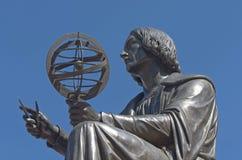 对尼古拉斯哥白尼的纪念碑 免版税图库摄影