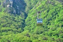 对山山顶的缆车,雪岳山国立公园 图库摄影