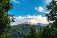 对山峰Kapaz,阿塞拜疆的看法 免版税库存图片