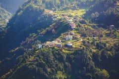 对山村的风景看法马德拉岛的 库存图片