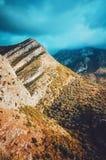 对山的美妙的看法在日落,老酒吧,黑山,欧洲环境美化 秀丽世界概念 Maglic自然 库存照片