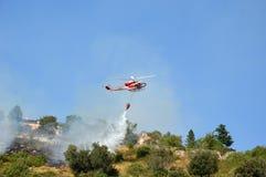 对山Castel圣彼得罗Prenestini的放火攻击  免版税库存照片