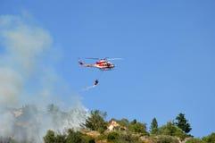 对山Castel圣彼得罗Prenestini的放火攻击  免版税图库摄影