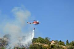 对山Castel圣彼得罗Prenestini的放火攻击  库存图片