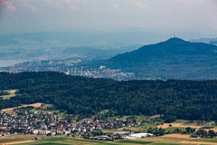 从对山Lagern的看法向苏黎世 库存照片