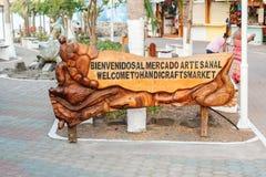 对工艺品市场的可喜的迹象在Puerto阿约鲁在加拉帕戈斯 库存图片