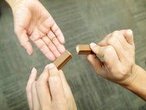 对巧克力的份额 库存照片