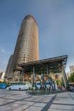 对希拉顿旅馆塔摩天大楼的大门在上海 免版税库存图片