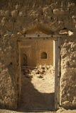 对废墟的门 免版税库存图片